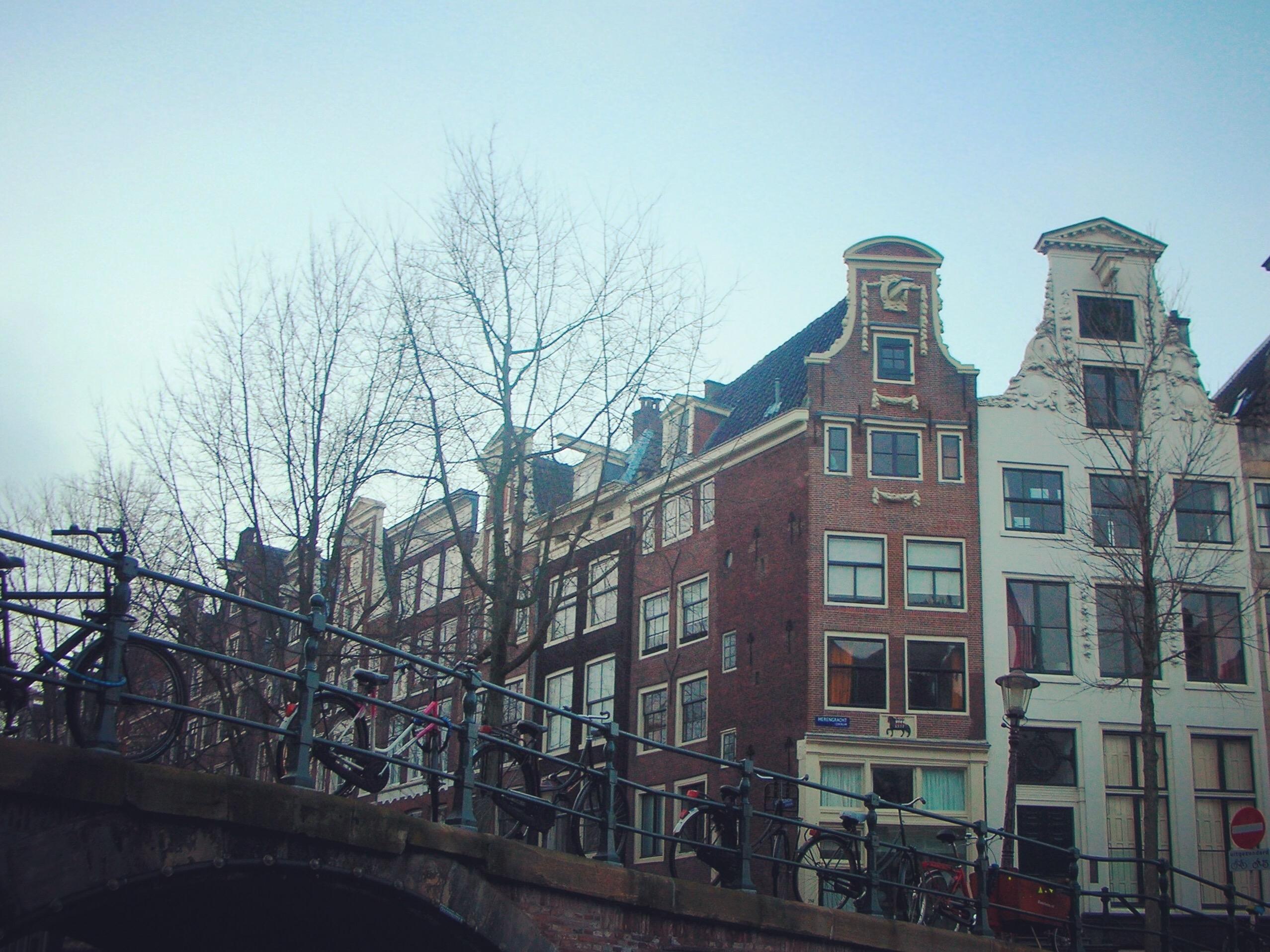 Hollandaya nasıl gidilir ve nerede kalınır