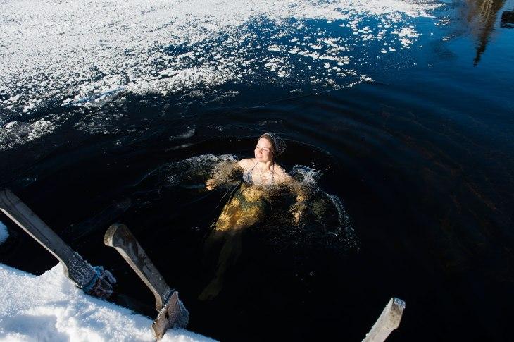 buzda yüzmek